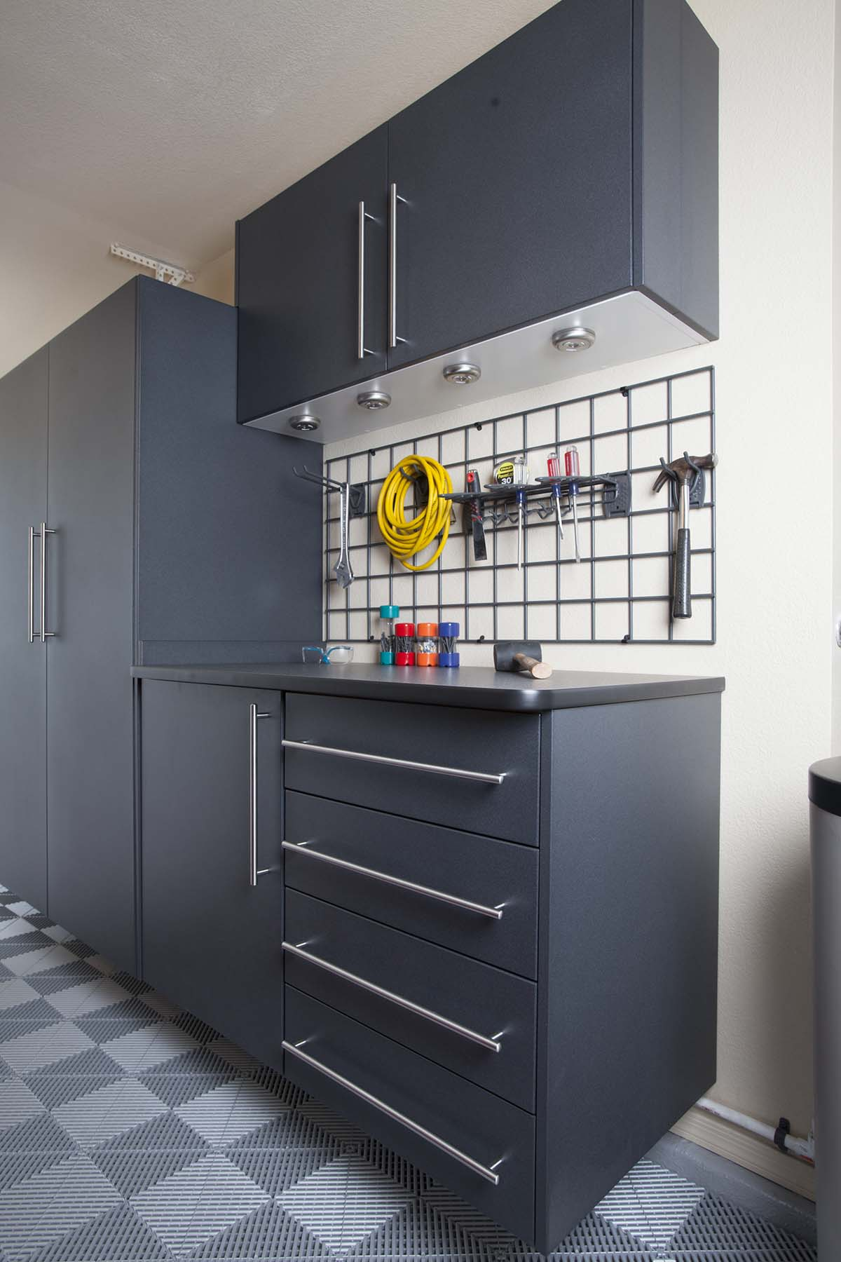 Granite Cabinets w Ebony Workbench - Grey Swiss Tax Grid with Tools