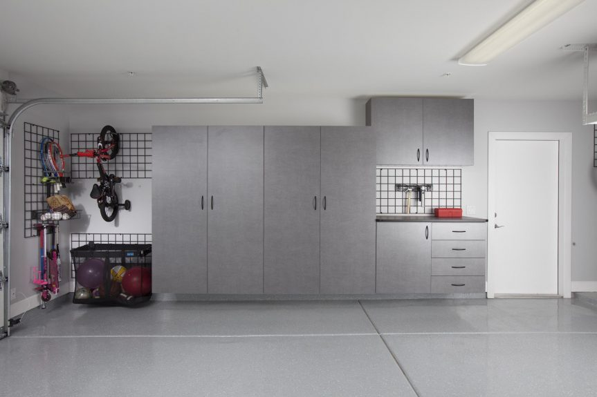 Pewter Garage with Workbench-Gridwall-Kid Bikes-Large Ball Net 2012
